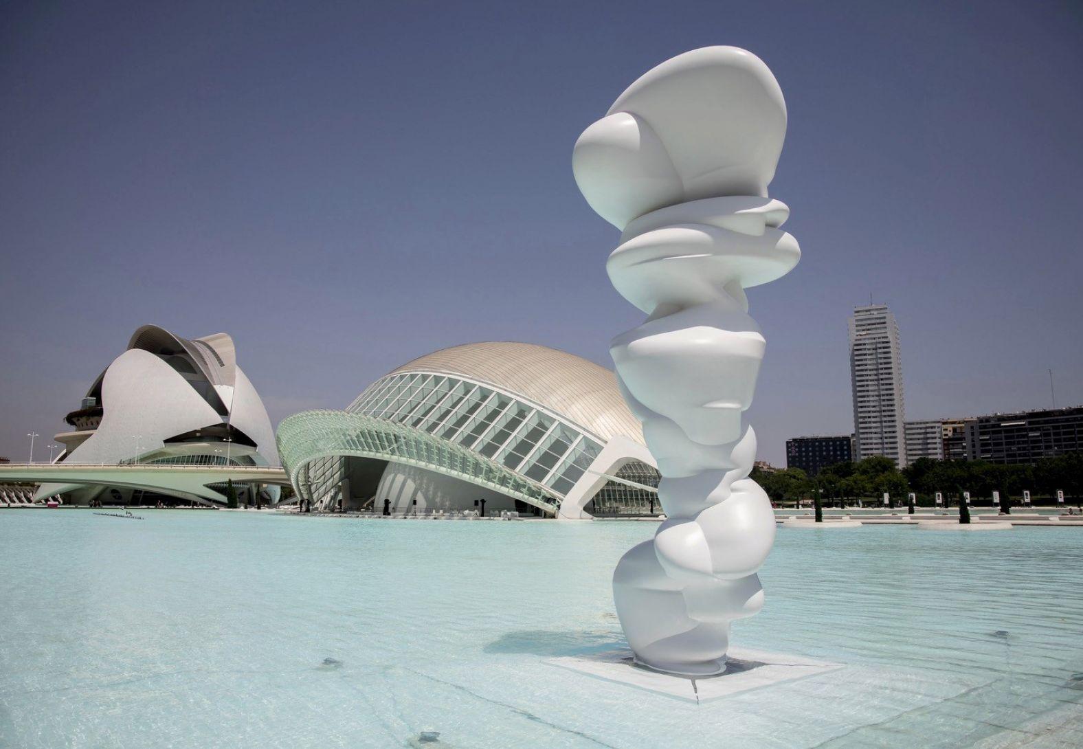 TONY CRAGG: SIX SCULPTURES at Ciudad de las Artes y las Ciencias, Valencia
