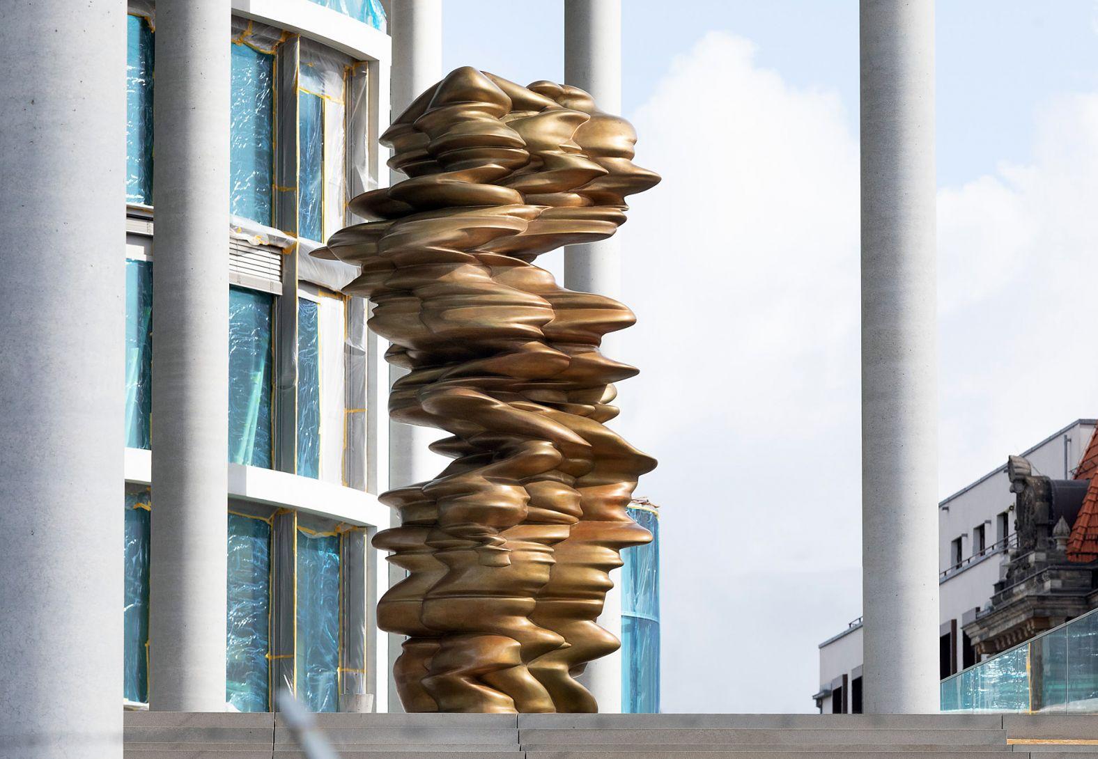 """Installation """"Werdendes"""" vor dem Bundestag, Berlin"""